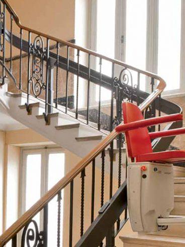 Ayudas para para Minusválidos y ancianos para superar las barreras arquitectónicas